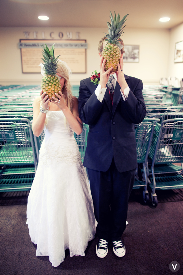 wedding photos valo photography pineapple